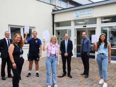 Economy Minister Visits NWRC on Results Day